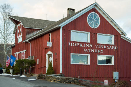 WNEKphoto_2016-01-03_NewPreston_HopkinsWinery_555.jpg